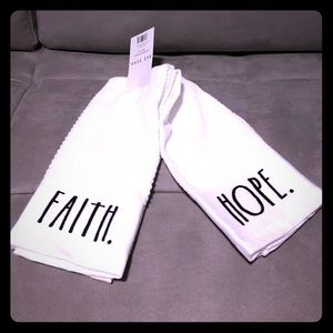 Rae Dunn kitchen towels set of 2